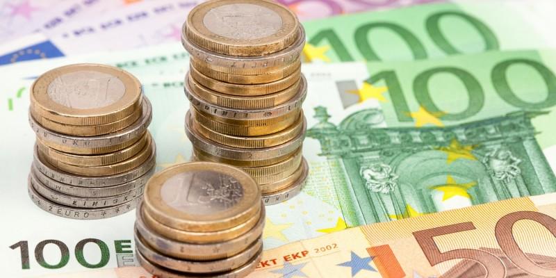 Euro-Geldscheine und -Münzen